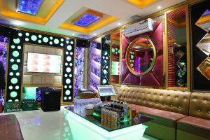 nuoc-khoang-vinh-hao-500ml-co-gas-su-dung-trong-phong-karaoke